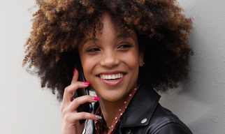 Mujer en smartphone